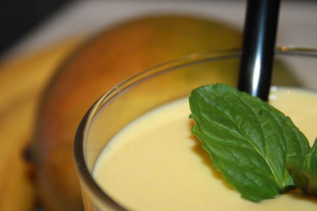 Koktajl jogurtowy z mango