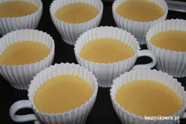 Filiżanki silikonowe z ciastem