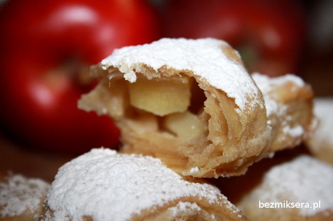 Rogaliki cynamonowe z jabłkami - ostatnie chwile