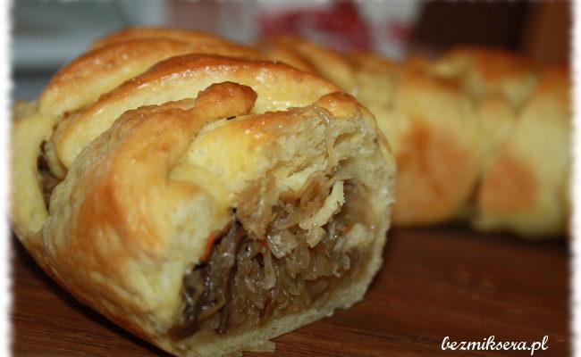 Przepis na kulebiak z kapustą i grzybami