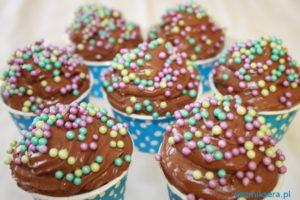 Muffiny waniliowe z kremem czekoladowym