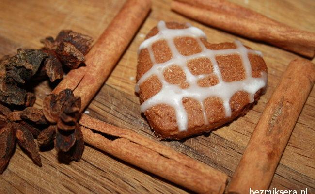 Przepis na pierniczki z migdałami i mąką gryczaną