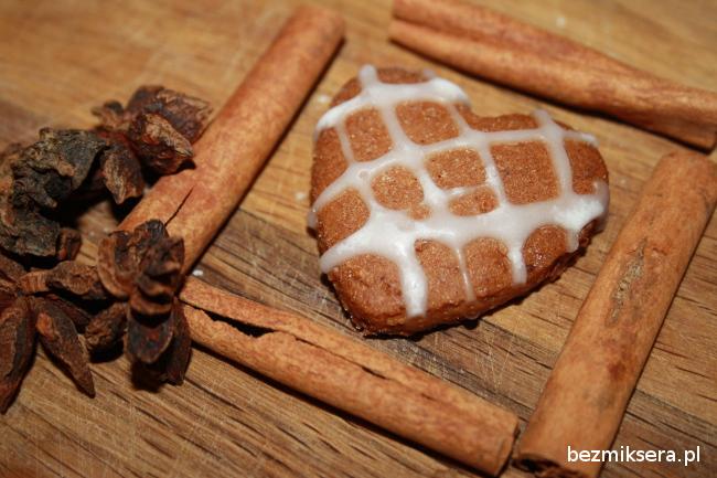 Pierniczki z migdałami i mąką gryczaną