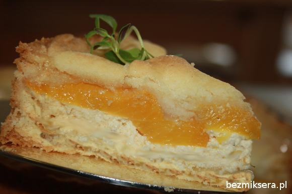 tarta brzoskwiniowa z serem i tymiankiem