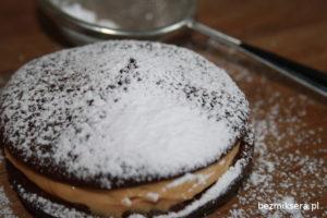 ciastka czekoladowe z kremem kajmakowym