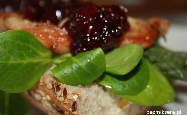 Przepis na kanapkę z indykiem i szparagami