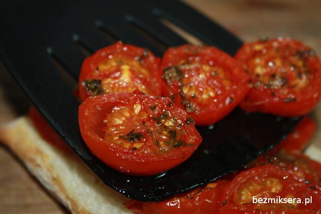 Przepis na pieczone pomidory