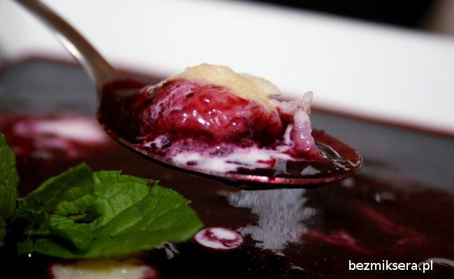 Przepis na zupę jagodową z kefirowymi kluseczkami