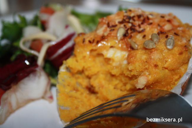 Muffiny batatowe z serem i suszonymi pomidorami