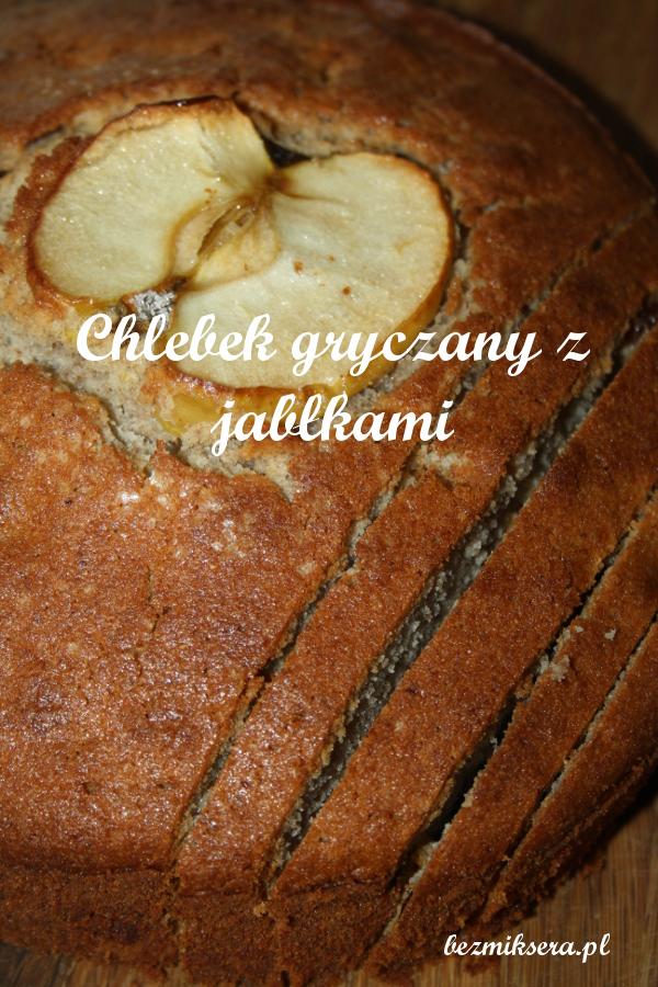 chleb gryczany z jabłkami