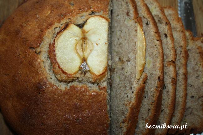 Przepis na chlebek gryczany z jabłkami
