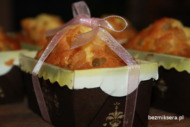 Ciasto waniliowe z kandyzowanymi owocami