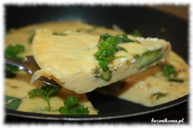 Zapiekany omlet ze szparagami