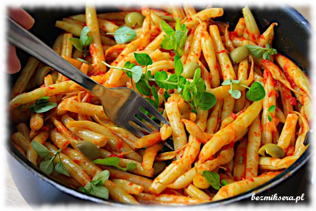 Przepis na fasolkę szparagową w pomidorach
