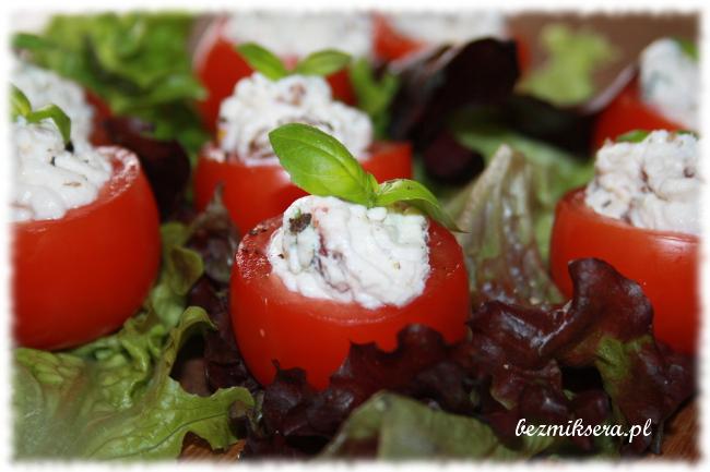 Pomidorki faszerowane serem ricotta