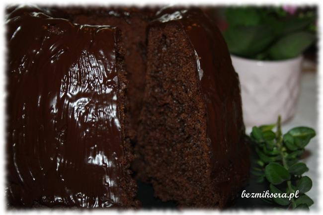 Przepis na czekoladową babkę drożdżową