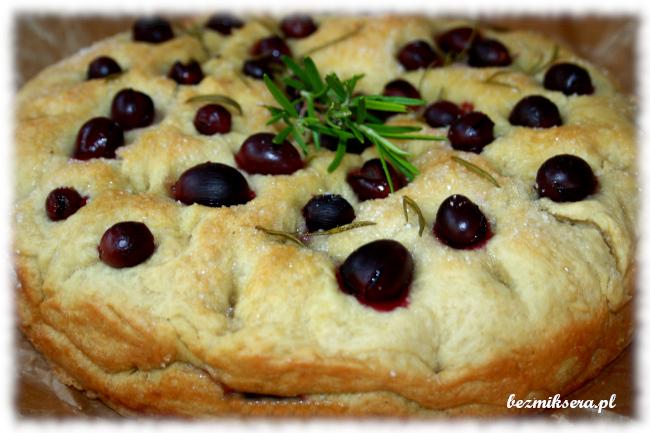 Przepis na schiacciatę z rozmarynem i winogronami