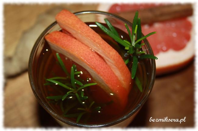Herbata z cytrusami i rozmarynem